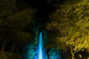 養老の滝ライトアップ